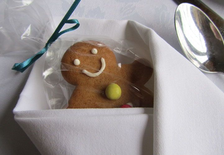 Ginger bread wedding favour place setting